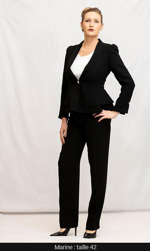 Tailleur pantalon noir veste et top